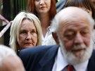 Rodiče Reevy Steenkampové, June a Barry Steenkampovi, přichází k soudu s...