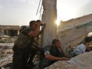 Rebelové zaujímají pozice v bojích proti jednotkám prezidenta Asada okolo...