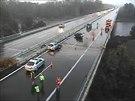 Na dálnici D8 u Nové Vsi řešila policie dvě nehody, při nichž bouralo celkem...