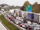Kvůli zprovoznění části dálnice D1 a zakreslení vodorovného značení na 45....