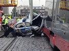 V Olšanské ulici v Praze došlo ke střetu policejního vozu a tramvaje....