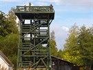 Łebsko jezioro. Na jeho břehu vRabce byla postavena vyhlídková věž.