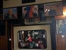 Stěnu jedné z bělehradských restaurací zdobí podobizny ruského prezidenta...