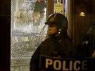 Kvůli zastřelení černošského mladíka vypukly v St. Louis v noci na pátek střety...