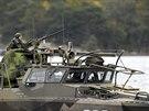 Loď švédského námořnictva při pátrání po ruské ponorce