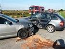 V Rybnících na Znojemsku se odpoledne srazily dvě škodovky. Pro řidiče přiletěl...