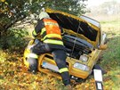 Ve Vážanech na Blanensku se srazil motocykl s osobním autem. (12. října 2014)