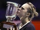 S TROFEJÍ. Anastasia Pavljučenkovová po triumfu na turnaji v Moskvě.