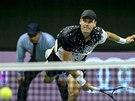 SERVIS. Tomáš Berdych ve finále turnaje ve Stockholmu.