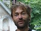 Tesař David Stejskal z Pardubic pracuje na opravě krovu v ivanitské poustevně v...