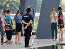 Kanaďanka Eugenie Bouchardová před jedním z rozhovorů v Marina Bay v Singapuru.