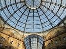 Pod skleněnou kopuli Galerii Viktora Emanuela II., která je chloubou lombardské...
