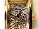 V Brn� jsou vystaven� luxusn� hodinky, hl�d� je ozbrojen� ochranka.