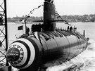 Spuštění americké atomové ponorky Scorpion na vodu...