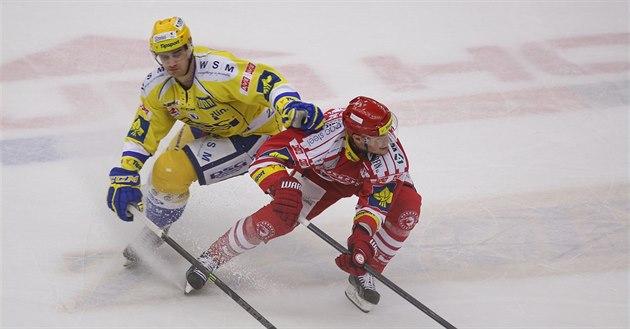 Old�ich Kotvan (vlevo) a Vladimír Dravecký v souboji.