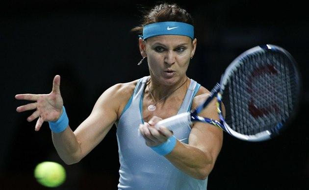 TVRDÝ ÚDER. Lucie �afá�ová v semifinále turnaje v Moskv�.