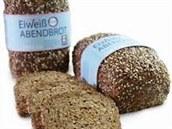 Máte v těle nedostatek bílkovin? Řešením je proteinový chléb!