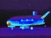 Infra�erven� sn�mek bezpilotn�ho raketopl�nu X-37B