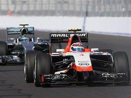JEDEN V�Z NA TRATI. St�j Marussia poslala v So�i do boje pouze Maxe Chiltona.