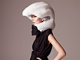 L�mec s airbagem od design�rek Anny Hauptov� a Terese Alstinov�