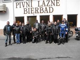 Motoklub Jestřábí jezdci z Radvanic na Trutnovsku na vyjížďce.