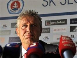 Jozef Chovanec se p�edstavil 16. ��jna na tiskov� konferenci v Bratislav� jako...