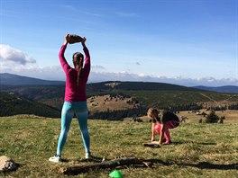 Kruhový trénink v přírodním prostředí poskytuje zajímavé doplňky pro tělesná...