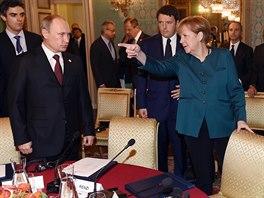 Ruský prezident Vladimir Putin a německá kancléřka Angela Merkelová (Milán, 17. října 2014).