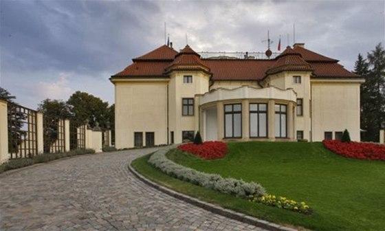 Kram��ova vila je tradi�n�m s�dlem �esk�ch premi�r�