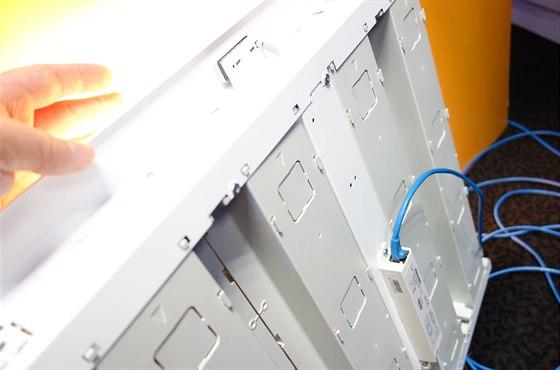 Světla napájená přes počítačové datové rozvody (PoE) umožňují inteligentní...