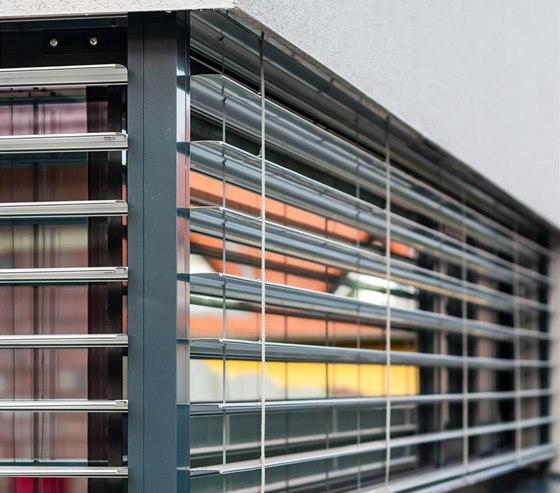 Detail rohového řešení pásových oken