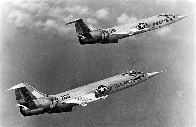 F-104A si drží primát jako první sériově vyráběný dvoumachový letoun na světě.
