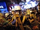 Hongkong se v pond�l� probudil do �tvrt�ho t�dne prodemokratick�ch protest�...