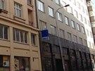 Zloděj běhal po střechách domů v Londýnské a Jugoslávské ulici, pak se...