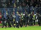 Kvůli výtržnostem fanoušků bylo přerušeno utkání Evropské ligy mezi Slovanem...