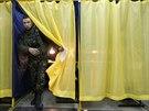 Ukrajinci v neděli rozhodují o budoucnosti své země (26. října)