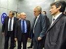 Prezident Milo� Zeman na n�v�t�v� ve zku�ebn� turbovrtulov�ch a proudov�ch...