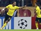Pierre-Emerick Aubameyang z Borussie Dortmund oslavuje svůj druhý gól na...