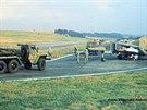 P�i cvi�eních v letech 1980 a 1985 na dálnici p�istávalo a vzlétalo celkem 30...