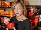 Lenka Krobotová na otevření obchodu s kosmetikou