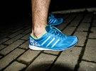 Bota působí na noze hodně drobným a lehkým dojmem. Ještě aby ne, když váží...