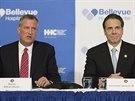 Starosta New Yorku Bill de Blasio a guvernér státu New York Andrew Cuomo na...