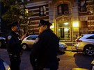 Newyorská policie hlídá budovu, ve které bydlí doktor Spencer, první potvrzený...