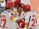 Radost t�ineck�ch hokejist� Rostislava Klesly, Jakuba Orsavy a Zby�ka Irgla...