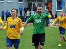 Fotbalisté Varnsdorfu slaví výhru.