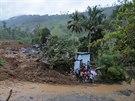 Při sesuvu půdy na Srí Lance bahno zavalilo zhruba 150 domů (29. října 2014).
