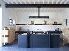 Kuchyň navrhl nejoblíbenější designér majitelů, Roderick Vos.