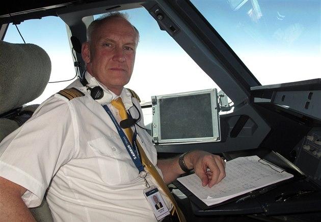 Karel Mündel létal 25 let pro �SA, nyní p�es rok pro kaza�skou spole�nost Air...