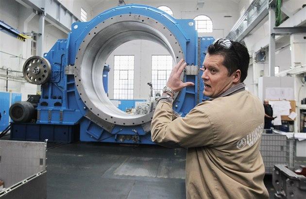 Spole�nost Wikov Gear vyrobila pro ruskou cementárnu ob�í p�evodovku. Na snímku...