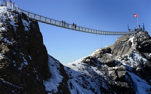 �výcarsko otev�elo v ledovcovém areálu Glacier 3000 v Les Diablerets první...